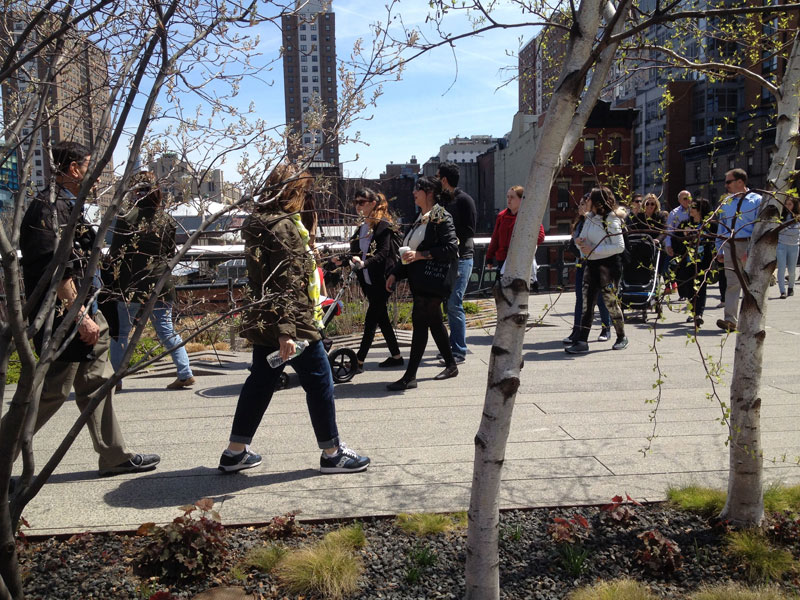 Visitors strolling on the High Line